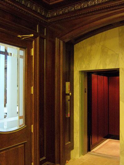 elevator_com5