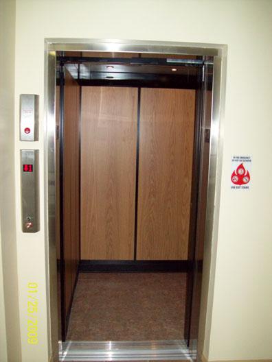 elevator_com7