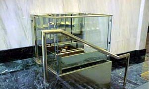 V1504 Wheelchair Lift