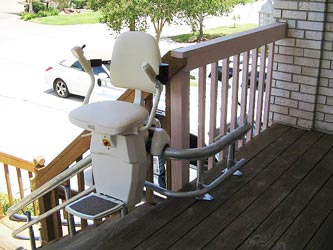 hw11outdoorstairlift